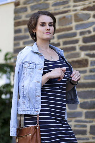 5 stylish and affordable summer weekend outfits - navy sailor striped dress with denim jacket
