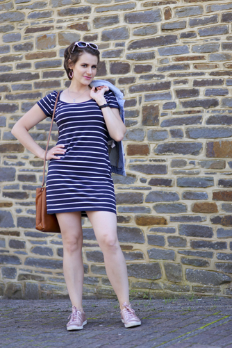 5 stylish and affordable summer weekend outfits - navy sailor striped dress