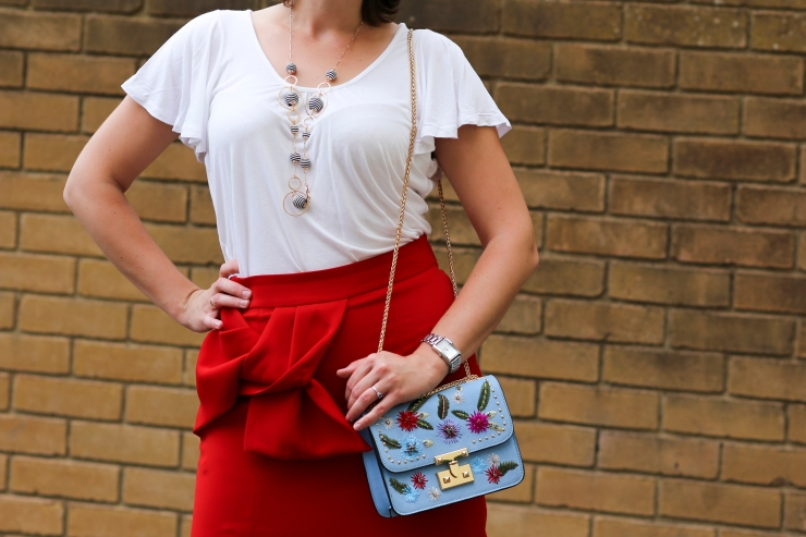 Elegant red skirt and white blouse - Mango