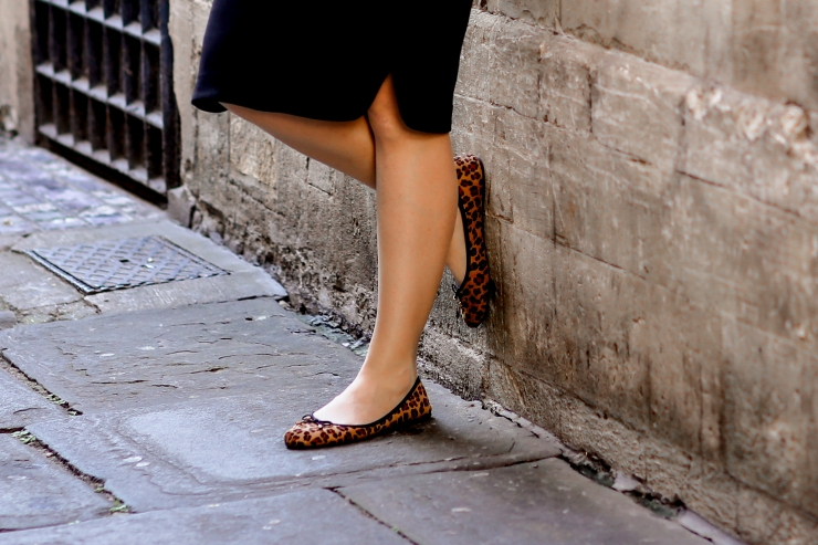 black pencil skirt and leopard print shoes